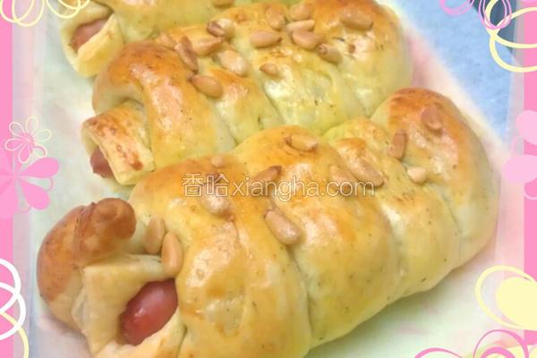 青酱热狗面包卷