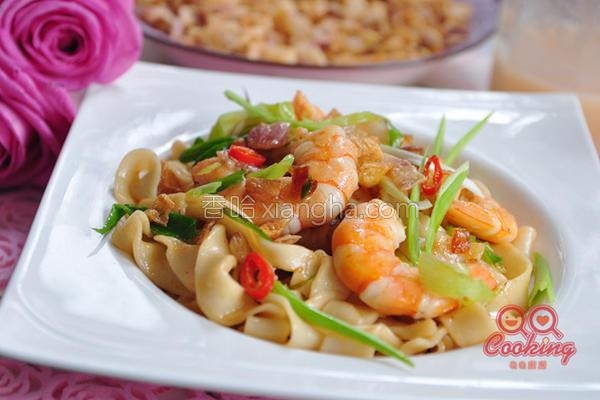 辣味油葱鲜虾拌面的做法