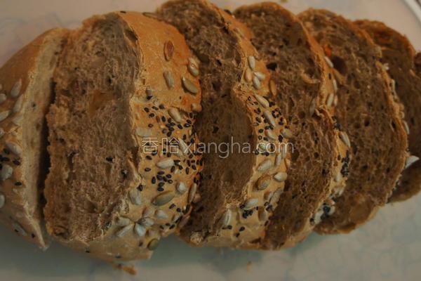 黑糖乳酪坚果面包