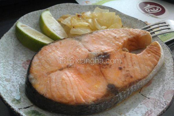 奶油洋葱烤鲑鱼