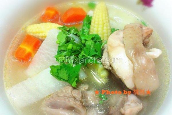 白萝卜蔬菜鸡汤