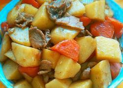 土豆胡萝卜烧肉