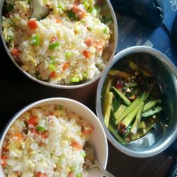 扬州炒饭+蒜蓉黄瓜