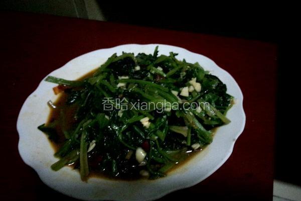 红油炒菠菜