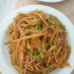 素炒土豆洋葱青椒丝
