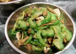 苦瓜冲菜炒肉片