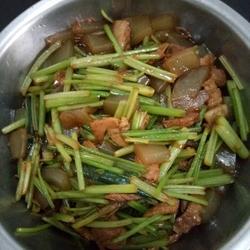 香芹粉皮炒肉
