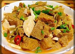 咸蛋白炖冻豆腐