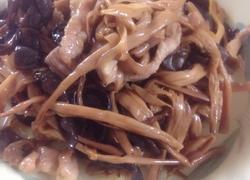 黄花菜木耳炒瘦肉