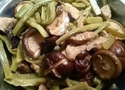 香菇瘦肉炒贡菜