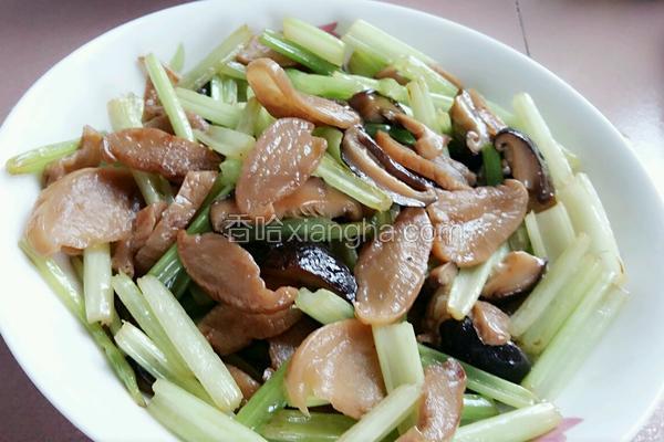 芹菜香菇炒萝卜干