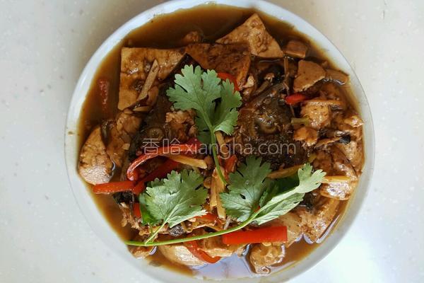 清炖草鱼头的做法_鱼头炖豆腐的做法_菜谱_香哈网