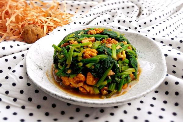 核桃仁拌菠菜