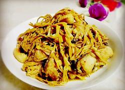 黄花菜煮鸡肉
