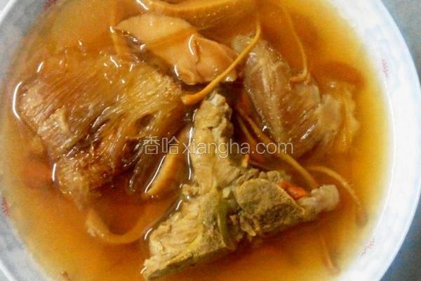 鱼翅响螺猪骨头汤