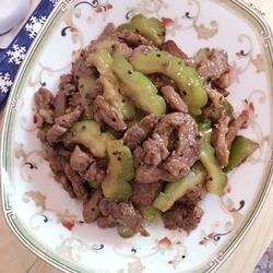 黑椒牛肉烩凉瓜