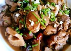香菇板栗炖鸡