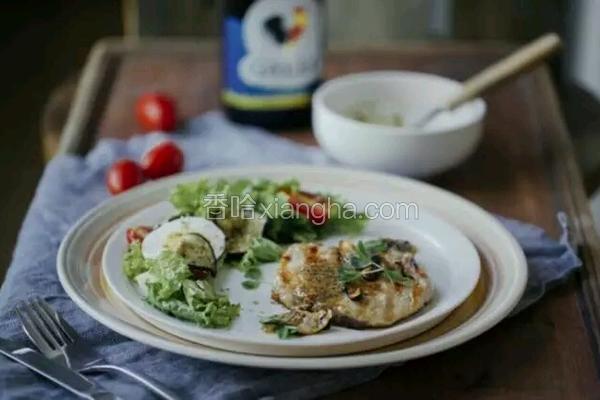 香煎猪排佐缤纷蔬菜沙拉