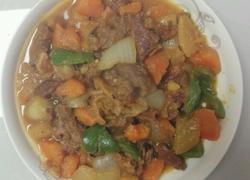 牛腩炖土豆红萝卜