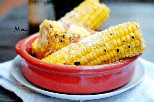 黄油烤甜玉米