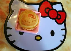 kitty 猫椰汁奶油蛋黄酱月饼
