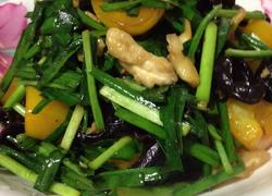 新鲜核桃仁炒韭菜