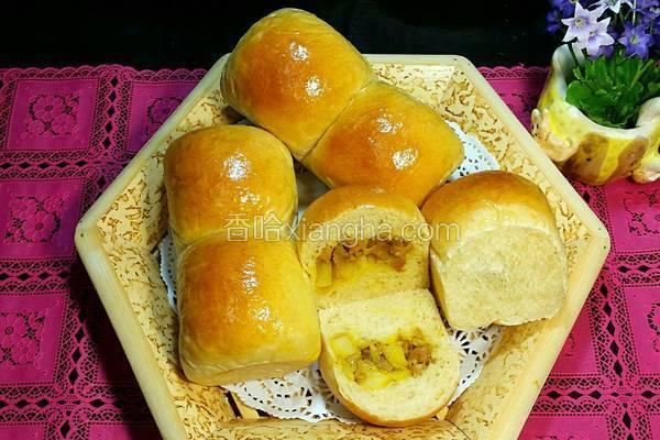 咖哩雞粒餐包