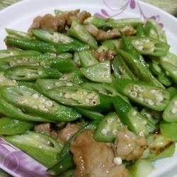 秋葵炒肉的做法[图]