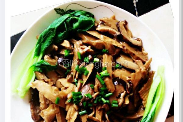 香菇腊肉炒笋丝