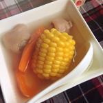 玉米紅蘿卜煲豬尾的做法[圖]