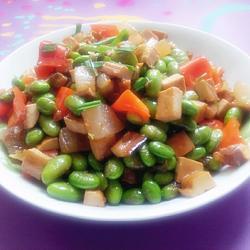 毛豆米烧咸肉的做法[图]