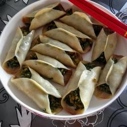 韭菜鸡蛋虾皮锅贴的做法[图]