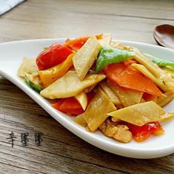 三椒杏鲍菇炒肉的做法[图]