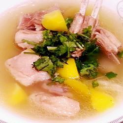 胡萝卜羊排汤的做法[图]