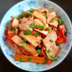 香干炒肉的做法[图]