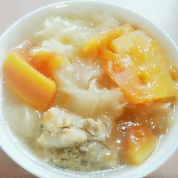 木瓜银耳排骨汤的做法[图]