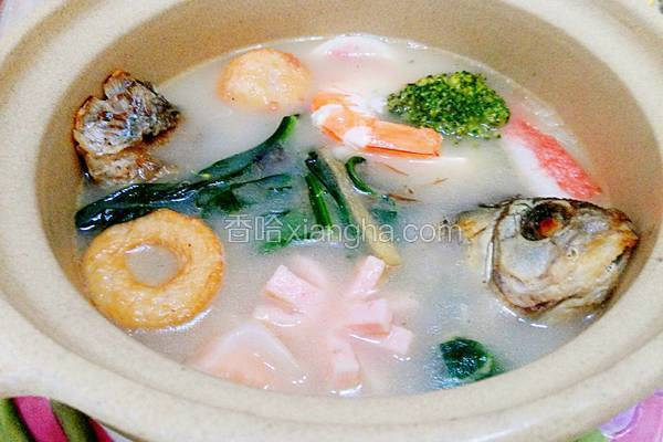 砂锅鲫鱼汤
