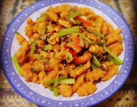肉末香芹炒麻食