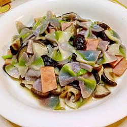 香菇烩彩虹蝴蝶面