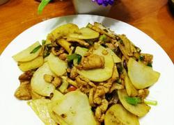 鸡胸肉炒土豆片