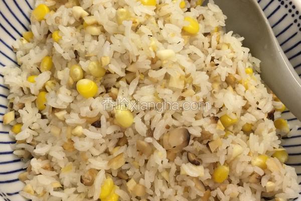 鲜人參冬菇玉米炒饭
