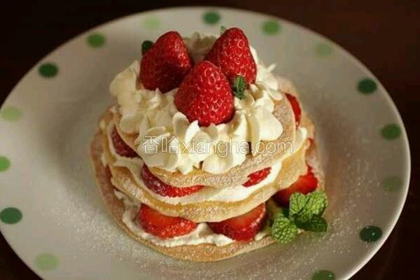 简单平底锅 草莓奶油蛋糕