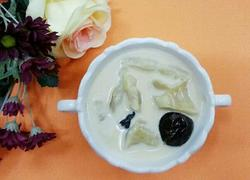 花胶炖牛奶甜品