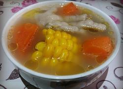 胡萝卜玉米鸡脚汤
