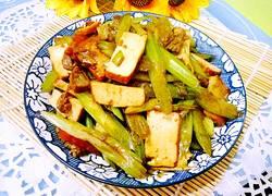 熏干芹菜肉片