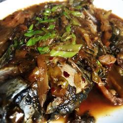 酸菜烧鲫鱼