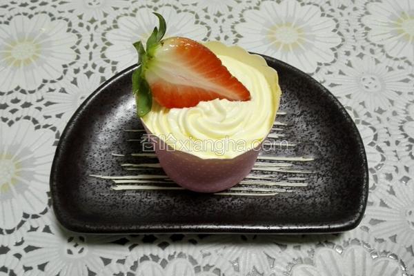 装饰酸奶纸杯蛋糕
