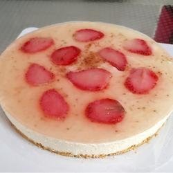 草莓芝士慕斯蛋糕(八寸)