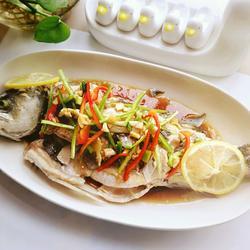 柠檬鲈鱼(泰式清蒸)