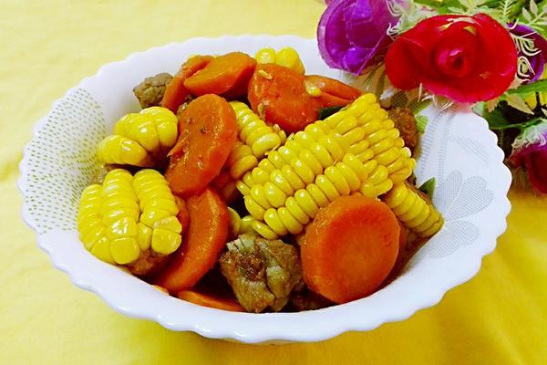 胡萝卜玉米焖排骨